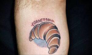 Фото татуировки круассан 05.06.2021 №009 - croissant tattoo - tatufoto.com