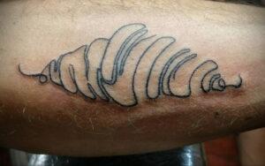 Фото татуировки круассан 05.06.2021 №024 - croissant tattoo - tatufoto.com