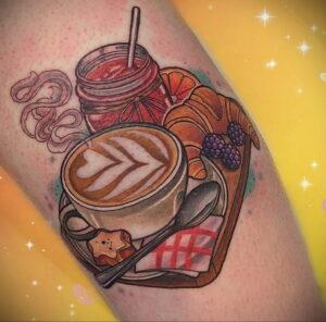 Фото татуировки круассан 05.06.2021 №058 - croissant tattoo - tatufoto.com