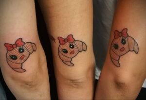 Фото татуировки круассан 05.06.2021 №147 - croissant tattoo - tatufoto.com