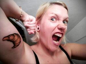 Фото татуировки круассан 05.06.2021 №200 - croissant tattoo - tatufoto.com