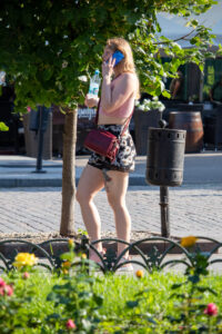 Фрагмент тату на ляжке девушки – Фото Уличная тату (street tattoo) № 13 – 27.06.2021 1