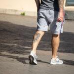 Фрагмент тату с черепом внизу левой ноги парня – Фото Уличная тату (street tattoo) № 13 – 27.06.2021 3