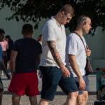 Черно красные тату с надписями на правой руке парня – Фото Уличная тату (street tattoo) № 13 – 27.06.2021 2