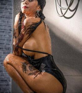 Фото Принятие душа с татуировкой 04.07.2021 №033 -Showering with a tattoo- tatufoto.com
