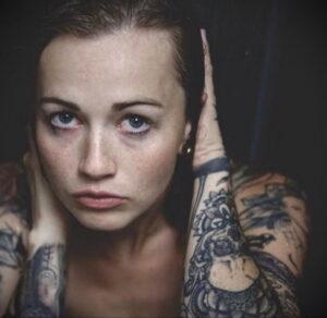 Фото Принятие душа с татуировкой 04.07.2021 №059 -Showering with a tattoo- tatufoto.com