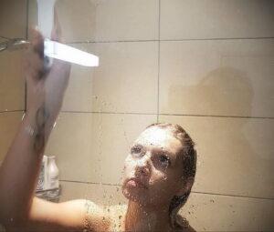 Фото Принятие душа с татуировкой 04.07.2021 №105 -Showering with a tattoo- tatufoto.com