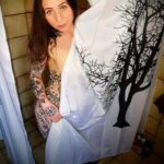 Фото Принятие душа с татуировкой 04.07.2021 №106 -Showering with a tattoo- tatufoto.com