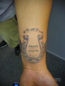 Фото рисунока тату с подковой 22.07.2021 №047 - drawing tattoo horseshoe - tatufoto.com
