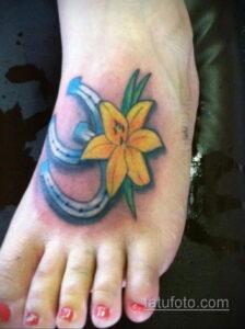 Фото рисунока тату с подковой 22.07.2021 №114 - drawing tattoo horseshoe - tatufoto.com