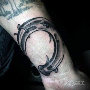 Фото рисунока тату с подковой 22.07.2021 №140 - drawing tattoo horseshoe - tatufoto.com