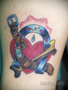 Фото рисунока тату с подковой 22.07.2021 №154 - drawing tattoo horseshoe - tatufoto.com