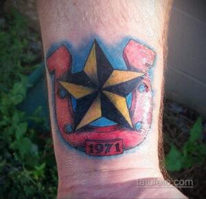 Фото рисунока тату с подковой 22.07.2021 №165 - drawing tattoo horseshoe - tatufoto.com