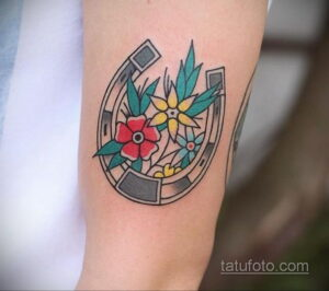 Фото рисунока тату с подковой 22.07.2021 №175 - drawing tattoo horseshoe - tatufoto.com
