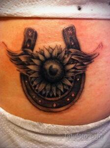 Фото рисунока тату с подковой 22.07.2021 №200 - drawing tattoo horseshoe - tatufoto.com