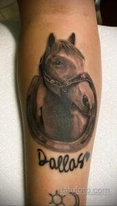 Фото рисунока тату с подковой 22.07.2021 №237 - drawing tattoo horseshoe - tatufoto.com
