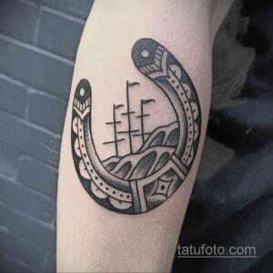 Фото рисунока тату с подковой 22.07.2021 №240 - drawing tattoo horseshoe - tatufoto.com