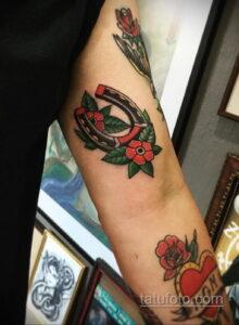Фото рисунока тату с подковой 22.07.2021 №305 - drawing tattoo horseshoe - tatufoto.com