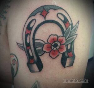 Фото рисунока тату с подковой 22.07.2021 №344 - drawing tattoo horseshoe - tatufoto.com