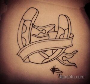Фото рисунока тату с подковой 22.07.2021 №372 - drawing tattoo horseshoe - tatufoto.com