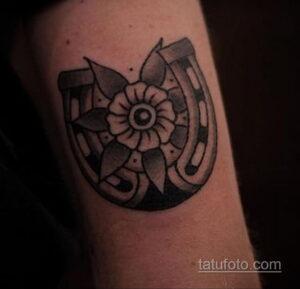 Фото рисунока тату с подковой 22.07.2021 №430 - drawing tattoo horseshoe - tatufoto.com