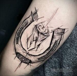 Фото рисунока тату с подковой 22.07.2021 №455 - drawing tattoo horseshoe - tatufoto.com