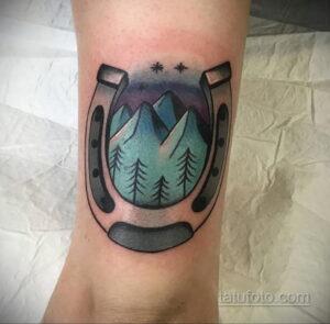 Фото рисунока тату с подковой 22.07.2021 №517 - drawing tattoo horseshoe - tatufoto.com