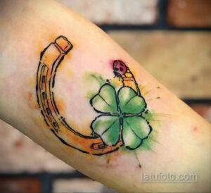Фото рисунока тату с подковой 22.07.2021 №579 - drawing tattoo horseshoe - tatufoto.com