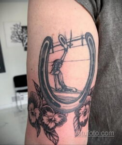 Фото рисунока тату с подковой 22.07.2021 №612 - drawing tattoo horseshoe - tatufoto.com