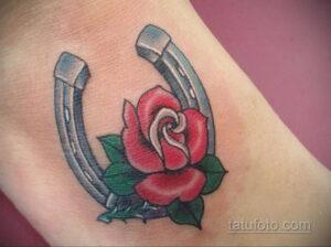Фото рисунока тату с подковой 22.07.2021 №634 - drawing tattoo horseshoe - tatufoto.com