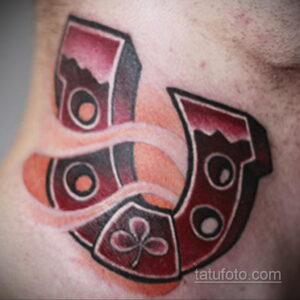 Фото рисунока тату с подковой 22.07.2021 №650 - drawing tattoo horseshoe - tatufoto.com