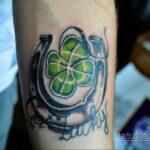 Фото рисунока тату с подковой 22.07.2021 №661 - drawing tattoo horseshoe - tatufoto.com