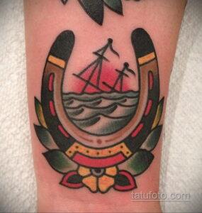 Фото рисунока тату с подковой 22.07.2021 №699 - drawing tattoo horseshoe - tatufoto.com