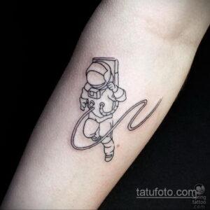 Фото тату астронавт 17.07.2021 №215 - astronaut tattoo - tatufoto.com