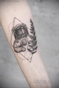 Фото тату астронавт 17.07.2021 №242 - astronaut tattoo - tatufoto.com