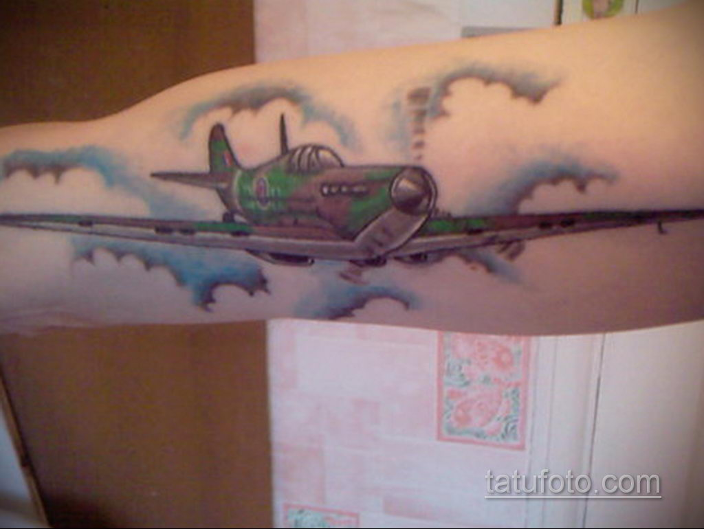 Фото тату самолет 06.07.2021 №409 - airplane tattoo - tatufoto.com
