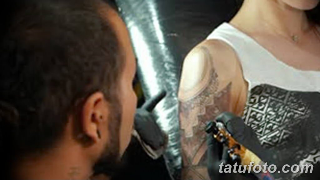 фото процесса нанесения тату 07.12.2018 №100 - tattooing process - tatufoto.com